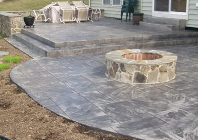 Ashlar Slate Tiered Patio with Masonry Firepit