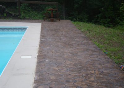 Random Stone Pool Deck with Interior Border